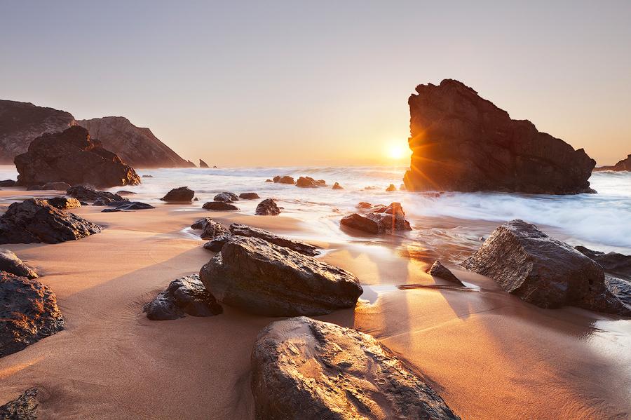 5 das mais belas praias ao redor de Lisboa - Praia da Adraga