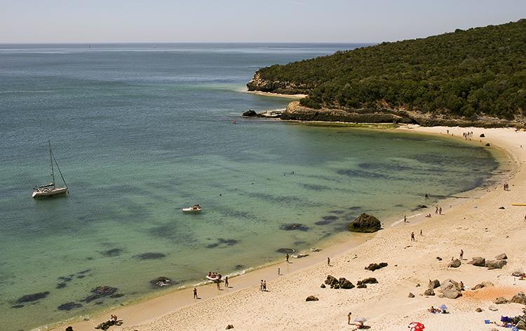 5 das mais belas praias ao redor de Lisboa - Praia de Galapos