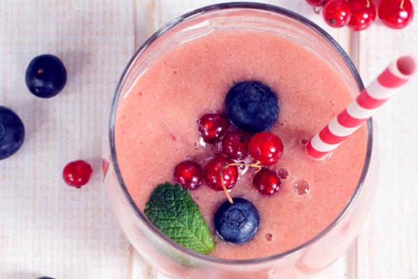 Sumo de frutos vermelhos antioxidante
