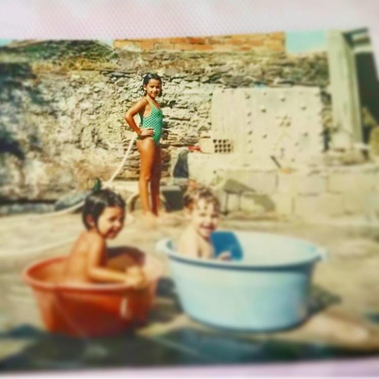 Rita Pereira - Foto de infância no verão