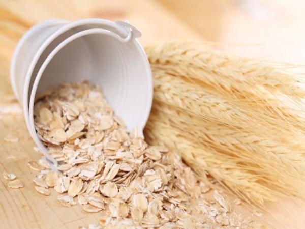 5 alimentos que deve evitar para ter a barriga lisa e 5 que deve consumir diariamente- Aveia sem glúten