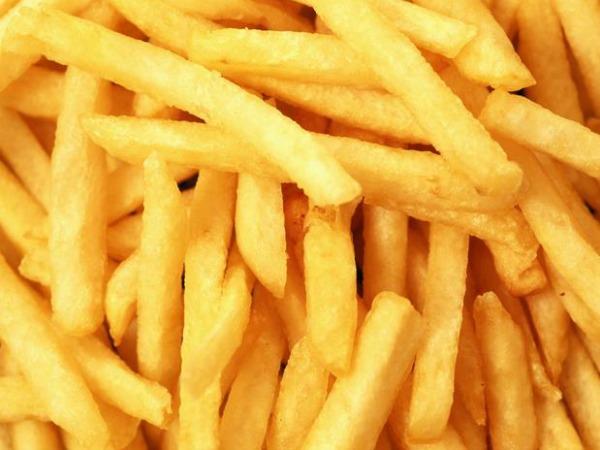 5 alimentos que deve evitar para ter a barriga lisa e 5 que deve consumir diariamente- Alimentos com muito sal