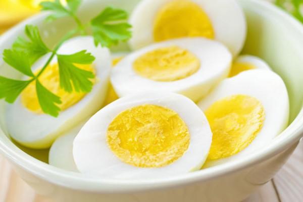 8 Dicas de como curar a ressaca- os ovos