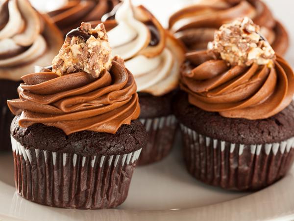 5 alimentos que deve evitar para ter a barriga lisa e 5 que deve consumir diariamente- Doces