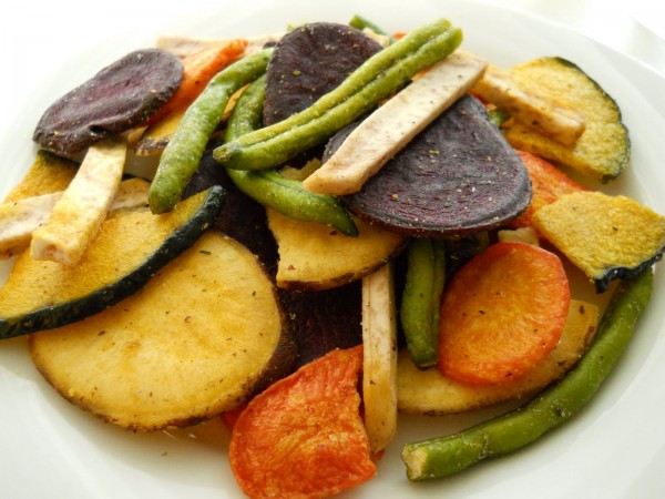 10 Aperitivos saudáveis para comer neste verão- Chips de legumes