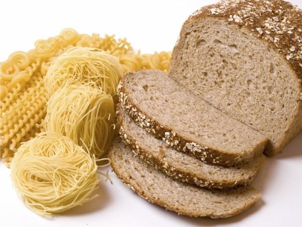 5 alimentos que deve evitar para ter a barriga lisa e 5 que deve consumir diariamente- Produtos à base de farinhas refinadas