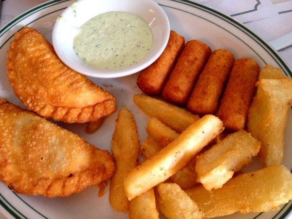 5 alimentos que deve evitar para ter a barriga lisa e 5 que deve consumir diariamente- Fritos