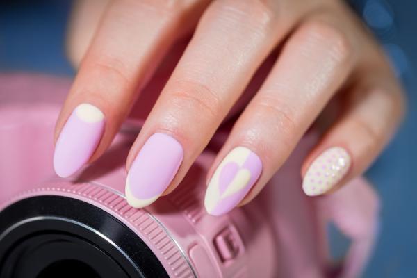 As tendências de cores e formatos para as suas unhas este verão- unhas stilleto
