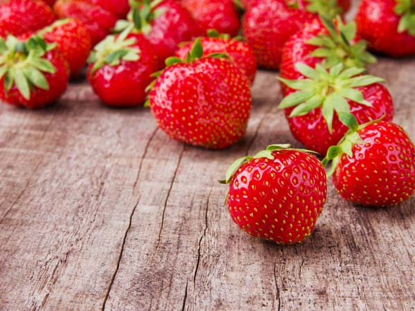 5 alimentos que deve evitar para ter a barriga lisa e 5 que deve consumir diariamente- Frutos vermelhos