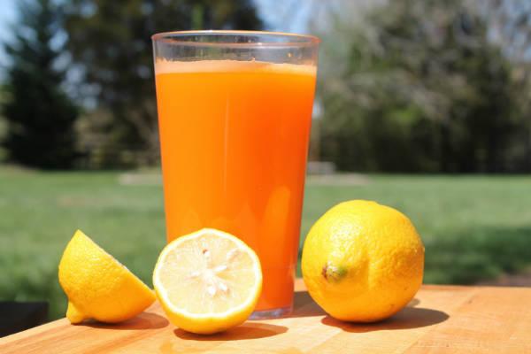 8 Dicas de como curar a ressaca- laranjas
