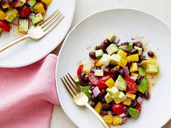 10 Aperitivos saudáveis para comer neste verão- Salada fresca
