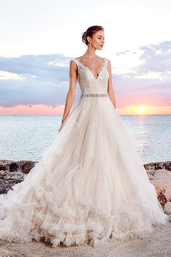 4b2e2681c9 Veja de seguida estes vestidos de noiva lindos