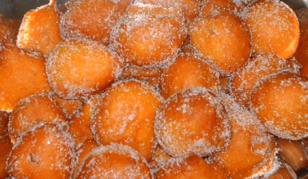 Receita das tradicionais filhós de cenoura para 10 pessoas