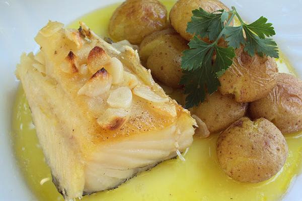 Receita de bacalhau à lagareiro para a consoada - Bom apetite!