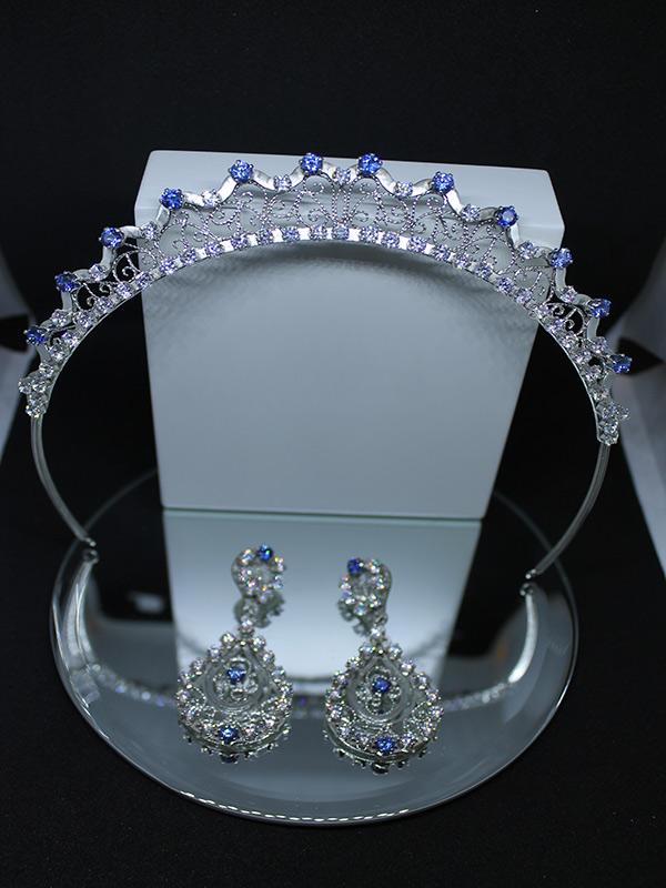 Tiara e bricos de prata e safiras