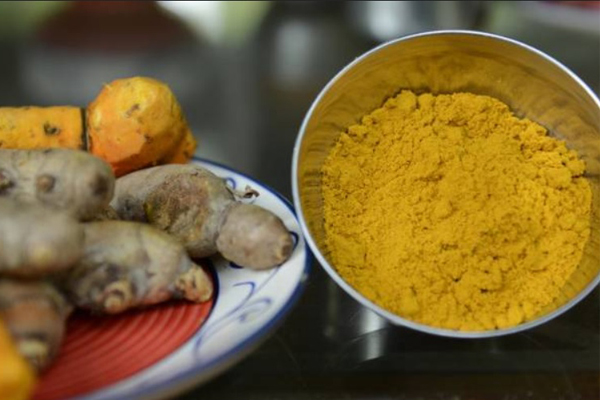 10 alimentos anti-cancro que deve ter em casa- Açafrão das Índias