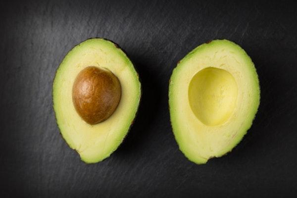 Alimentos que engordam e as pessoas não fazem ideia- Abacate