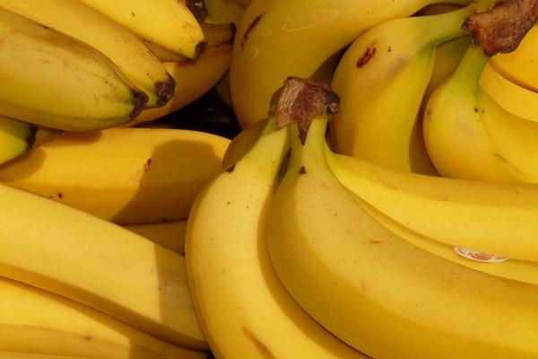 Alimentos que deve comer depois de treinar - Bananas