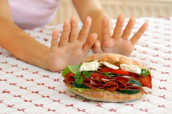 Hábitos que prejudicam a nossa saúde- Saltar refeições