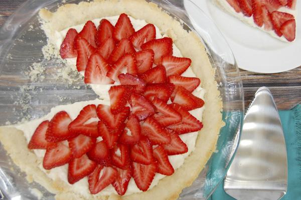 Receita de torta de morango super fácil- Torta de morango