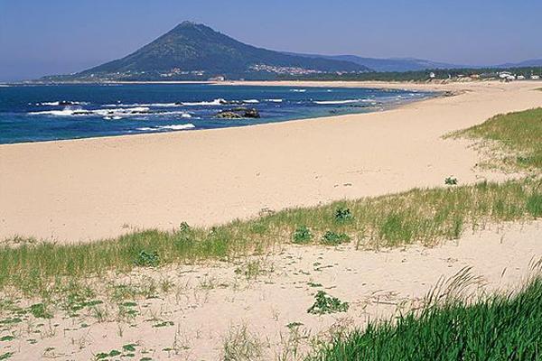 10 praias fantásticas para visitar em Portugal- Praia do Moledo (Caminha)