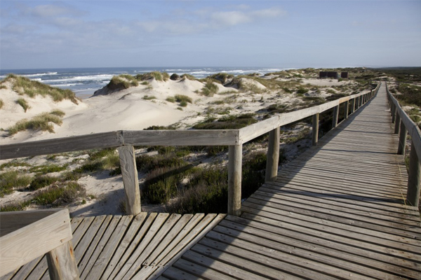 10 praias fantásticas para visitar em Portugal- Praia do Osso da Baleia (Pombal)