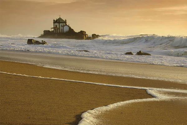 10 praias fantásticas para visitar em Portugal- Praia de Miramar (Vila Nova de Gaia)