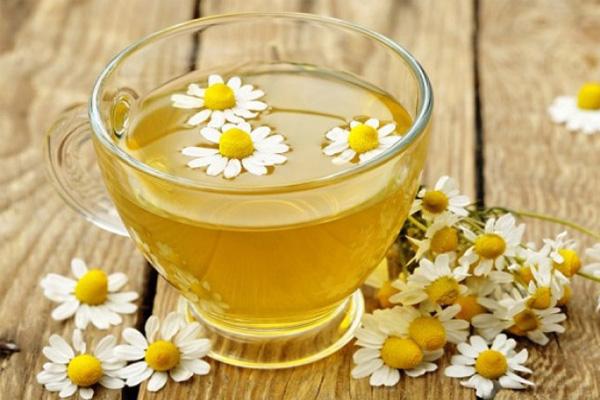 Chá frio de camomila e abacaxi, um chá refrescante e saboroso- Chá de camomila