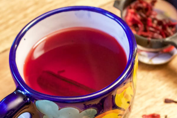 Chá de hibisco e canela, um aliado no emagrecimento- Chá de hibisco e canela