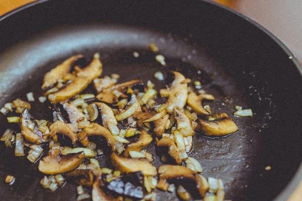 Alimentos que não devemos aquecer no microondas- Cogumelos