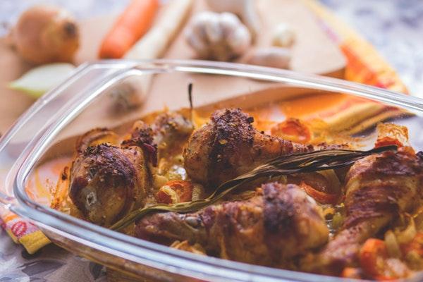Alimentos que não devemos aquecer no microondas- Frango