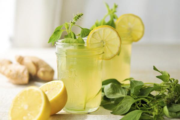 Limonada- 2 receitas e benefícios para a saúde- Limonada de gengibre e manjericão