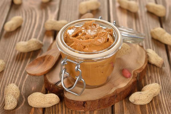 Como fazer manteiga de amendoim em casa- Manteiga de amendoim