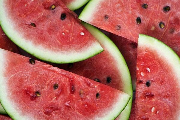 Alimentos que ajudam a manter a boa forma durante o verão- Melancia