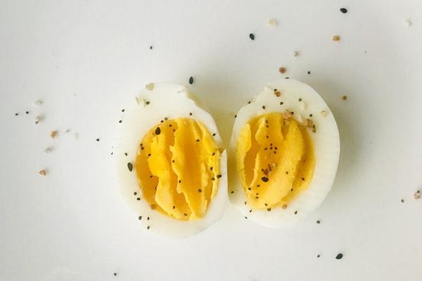 Alimentos que ajudam a manter a boa forma durante todo o verão- Ovos cozidos