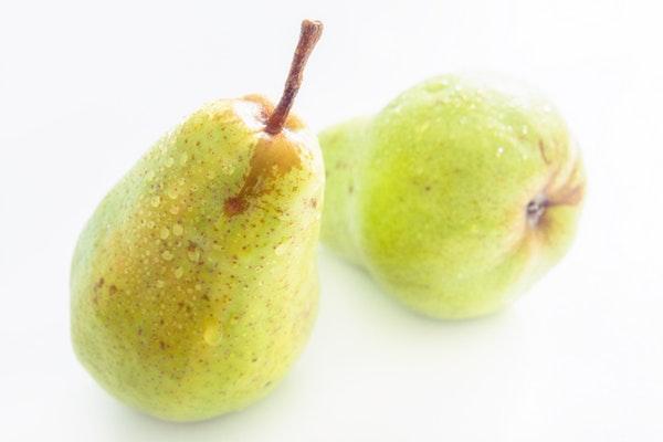 Alimentos que ajudam a manter a boa forma durante o verão- Pera