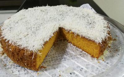 Bolo de cenoura com coco, um dos melhores bolos do mundo
