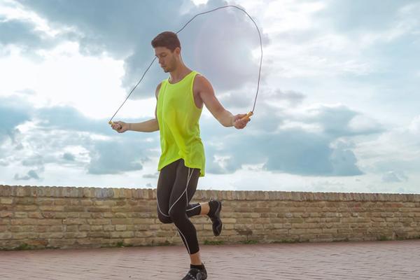 Exercícios que queimam mais calorias- Saltar à corda