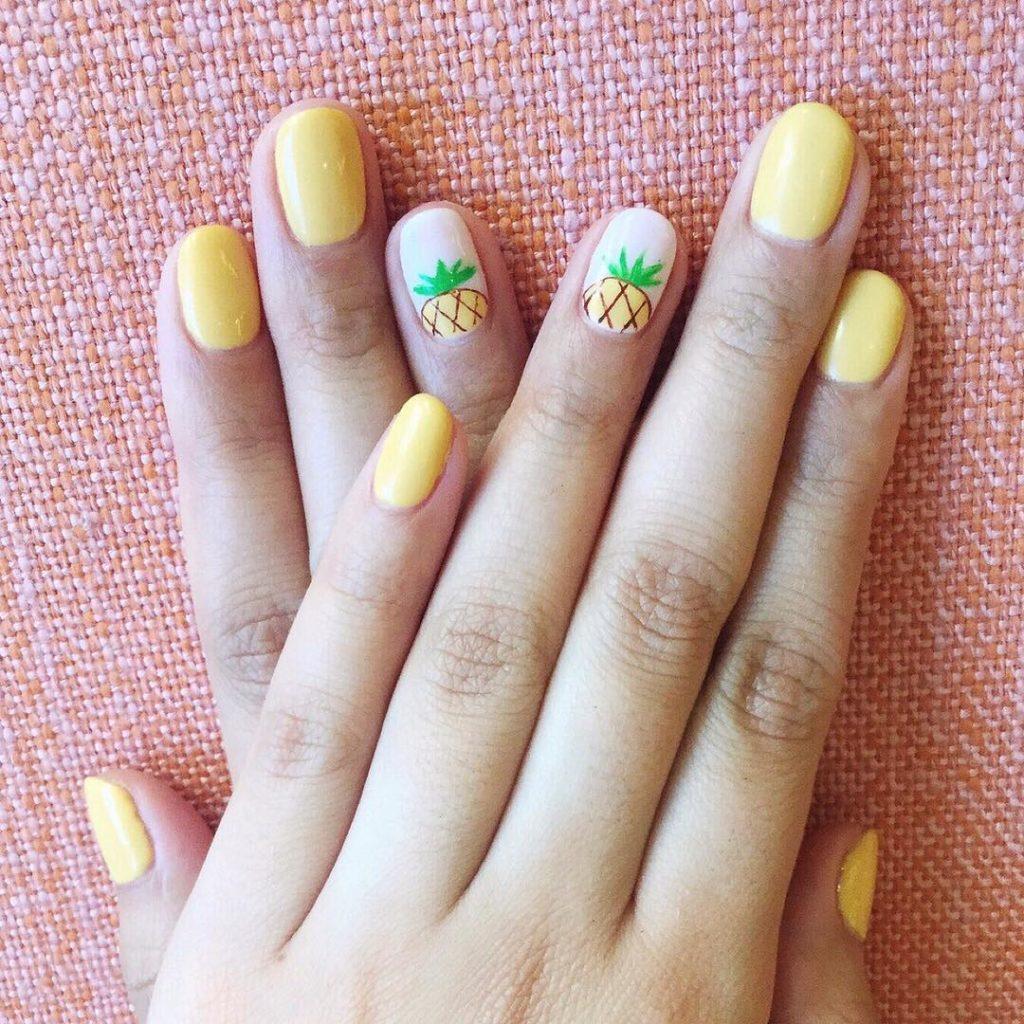 Unhas – conheça as tendências para a primavera de 2019 - amarelo