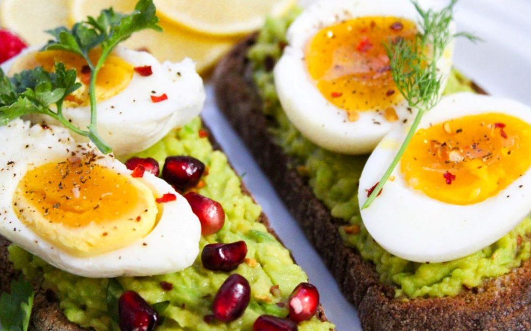 Porque é que os ovos ajudam a perder peso
