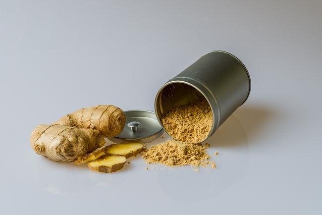 2 receitas: camarões de caril e caril de legumes